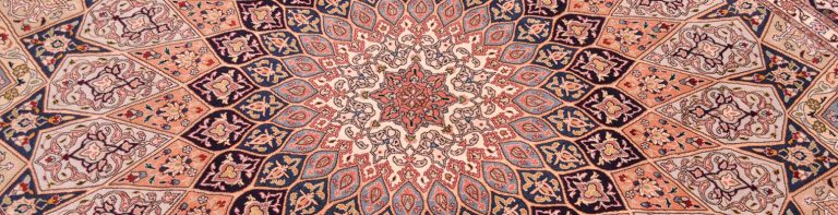 Colors on Iranian carpets