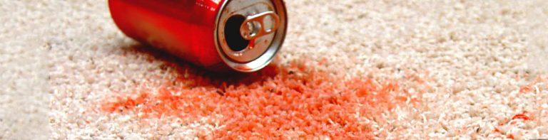 لکه نوشابه برروی ظاهر فرش تاثیری میگذارد